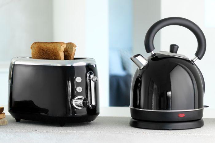 Kitchenmaster toaster og elkedel - sort