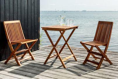 Hornbæk cafesæt m. 2 stole og bord akacie træ