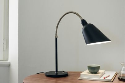 Arne Jacobsen Bellevue AJ8 bordlampe sort og stål