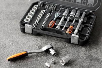 Stantox værktøjskuffert med topnøglesæt