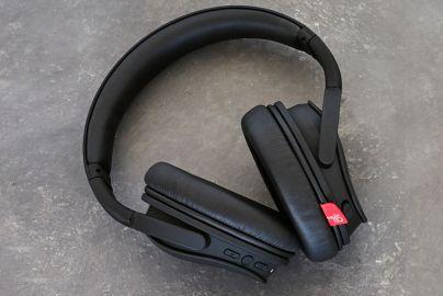 Hi5 on ear høretelefoner med noise reduction